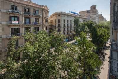Отреставрированная квартира в самом живописном районе Барселоны